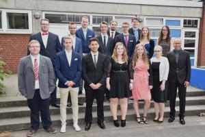 Chemisch-technischen Assistentinnen und Assistenten (CTA3A): Klassenlehrer Andreas Kleinmann